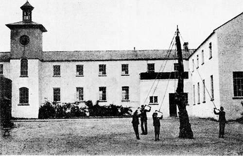 Brookfield maypole_and Dining room and boys wing