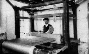 Moira hand-loom weaver